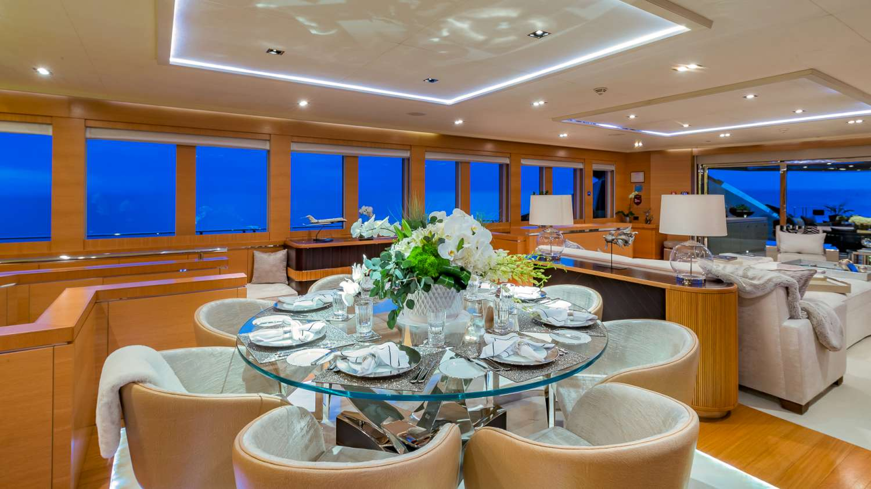 Motor Yacht DB9